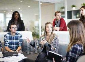 The 4 Key Points for You to Follow to Be a Leader, Not a Manager